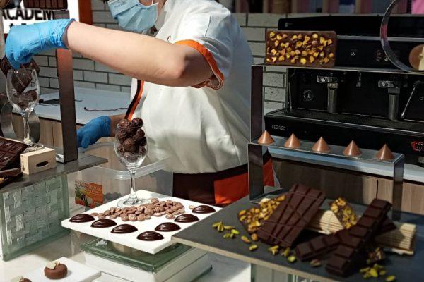 B1_Week 4_Display Chocolate Praline (3)