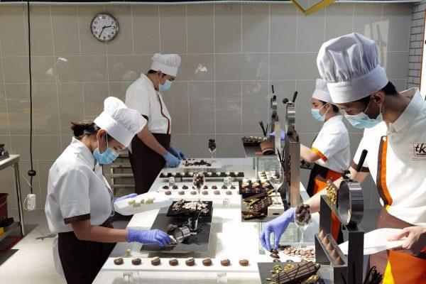 B1_Week 4_Display Chocolate Praline (6)