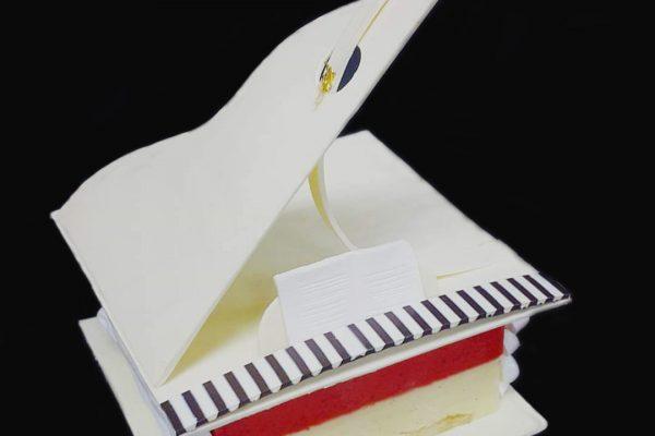 Piano Cake Edited