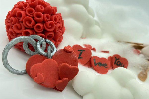 Valentine Fondant Cake (5) Compressed